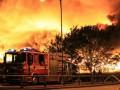 В Британии пожарные не могут справиться с пожаром на заводе, где горит 100 тысяч тонн отходов