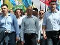 Морковка, драка, БТР: Массовый протест в Киеве (ФОТО)