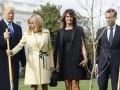 Макрон и Трамп посадили дуб возле Белого дома