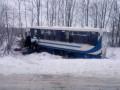 Под Львовом грузовик врезался в автобус, пострадали 8 человек