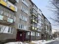 В Тернополе пенсионер упал с 4 этажа: Закрыли дома, чтоб не пил