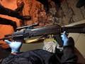 В Каховке вооруженный дезертир захватил заложницу