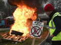 Цены на топливо: Францию охватили протесты, есть жертвы