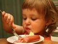 Что кладут в детскую колбасу: ТОП-5 нарушений
