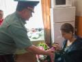 Потерявшей обе ноги санинструктору АТО министр вручил орден