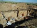 Блиндажи линии обороны Мариуполя разворовывают на металлолом