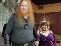 Противоположности притягиваются: бородатая женщина-христианка вышла замуж за сатаниста