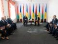 Лукашенко пригласил Зеленского в Беларусь