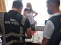 Гражданство за 2,5 тыс долларов: Чиновницу поймали на взятке