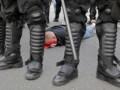 Россиянин заявил полиции, что бросок бутылки в окно консульства Польши был местью за болельщиков