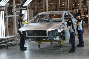 Mercedes-Benz открыл завод в России - фото