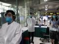 СМИ: У трех врачей диагностировали новый тип коронавируса