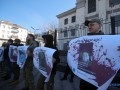 К посольству РФ в Киеве приносят фото убитых наемников и пропагандистов