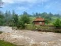 Из-за сильного ливня на Закарпатье опять поднялась вода