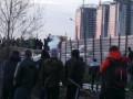 СМИ: На Осокорках в Киеве произошли столкновения на месте застройки, ранен силовик