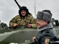 Так стреляет Первый: опубликовано видео стрельбы Порошенко