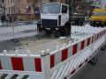 На улице Деловой продолжается ликвидация масштабного повреждения на теплосети