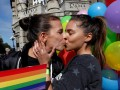 В Белграде прошел гей-парад под охраной бронетехники