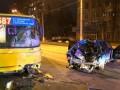 В Киеве столкнулись маршрутка и Audi с беременной пассажиркой: Подробности