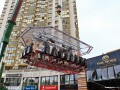 Фото недели: ресторан-аттракцион в Киеве и пожар резиденции президента
