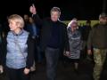 В Станице Луганской остаются боевики, переодетые в гражданское - Порошенко