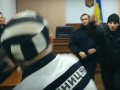 На суде у Савченко в прокурора запустили сапогом