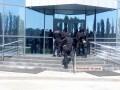 Вооруженные силовики проводят обыски в порту Николаева - СМИ