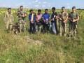Во Львовской области среди подсолнухов нашли нелегалов из Бангладеша