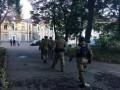 Покушение на Михайлика: друзья подозреваемого устроили потасовку в больнице