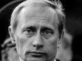 В Сети появились фото Путина 18-летней давности