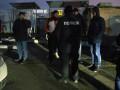 """В Борисполе """"разбойник"""" Годунок блокирует демонтаж АЗС с активистами"""