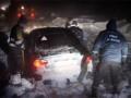 В Ровненской области спасатели освободили из снежных заносов 10 автомобилей