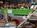 Полиция начала убирать баррикады с улиц Гонконга