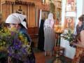 Православные христиане празднуют Троицу