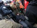 Аваков обещает применить к нападавшим под Верховной Радой