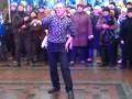 Главные ВИДЕО дня: Заводной танец на Антимайдане и борьба буйвола со львом