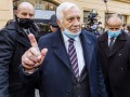 Экс-президента Чехии оштрафовали за маску на подбородке