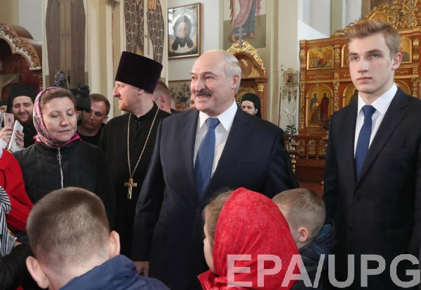 Лукашенко призывают ввести карантин