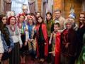 Фото дня: колядники у Порошенко и Путин с девушками