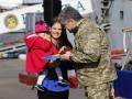 Порошенко вручил награды семьям военнопленных моряков