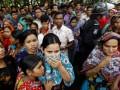 В Бангладеш горит еще одна швейная фабрика. В здании заблокированы сотни человек
