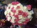 В Киеве подросток украл в переходе 76 роз для своей девушки