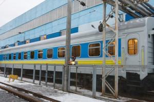 УЗ отправляет в первый рейс поезд с вагонами-трансформерами
