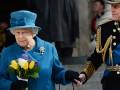 Поставщика нижнего белья королевы Елизаветы II лишили титула