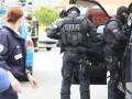 Во Франции захватили заложников: слышны выстрелы