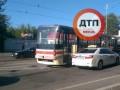 В Киеве возле  вокзала с рельс сошел скоростной трамвай