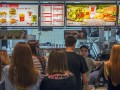 McDonald's уберет консерванты и ароматизаторы из бургеров