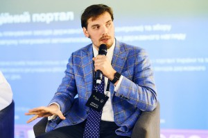 Проще развестись, чем уволиться: Гончарук считает, что Украине следует упростить трудоустройство