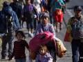 Американские пограничники применили газ против мигрантов