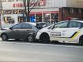 В Киеве пьяная компания избила копов, которые устроили ДТП